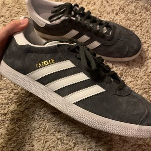 Adidas gazelle shoes men. Grey suede